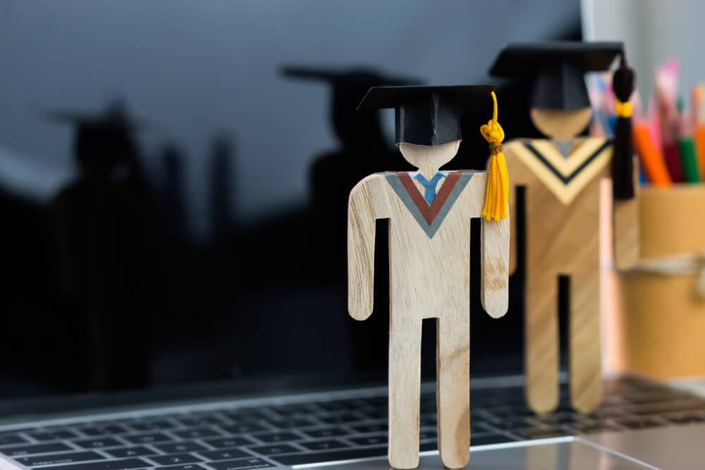 curso superior a distancia estudante graduacao